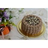 bolo confeitado redondo simples Santa Efigênia