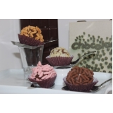 bolos caseiros simples para aniversário Santa Cecília